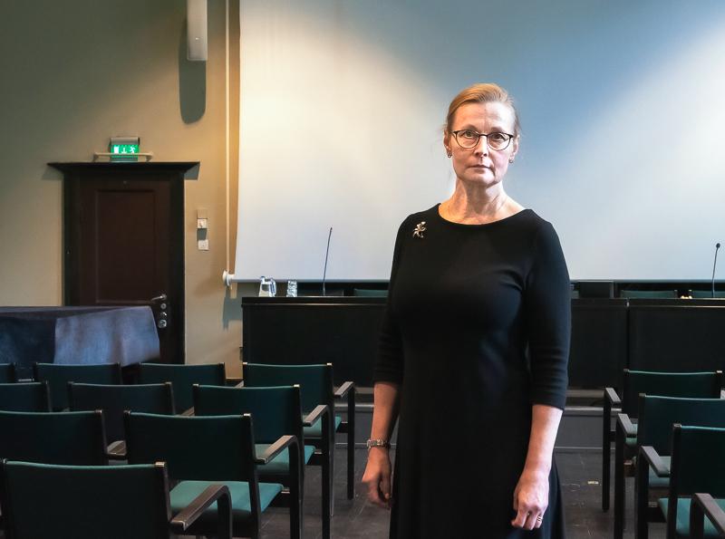 Kuvassa Lea Ryynänen-Karjalainen Tieteiden talolla