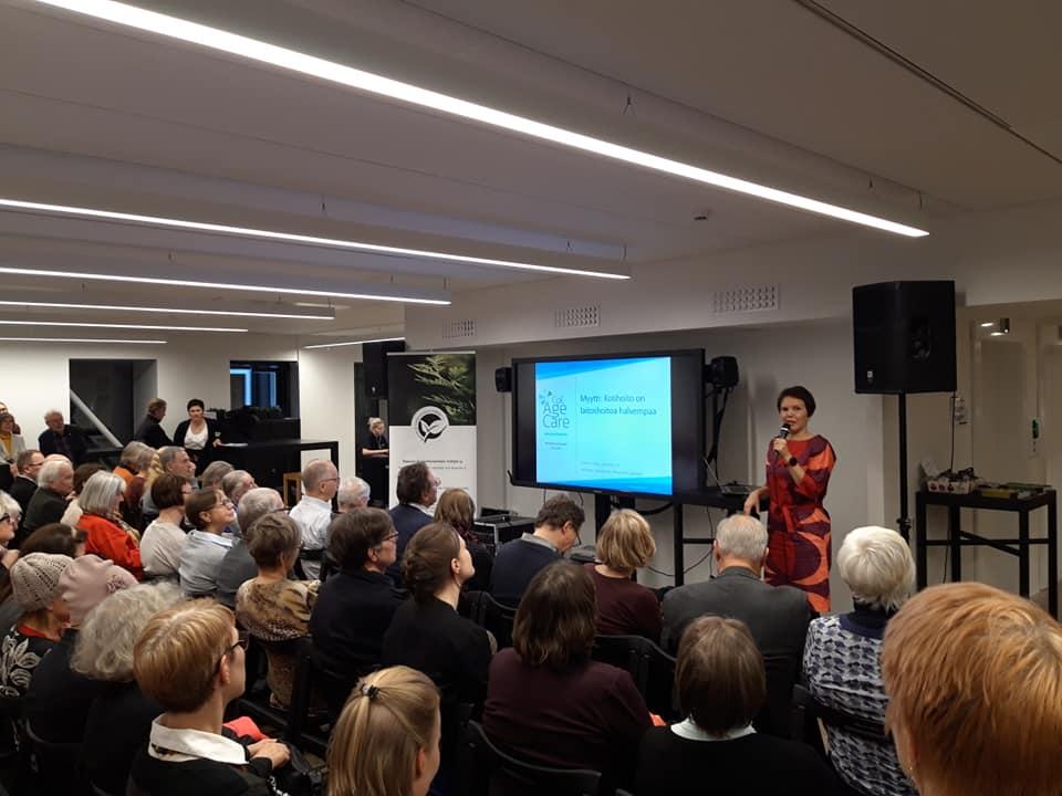 Myyttejä vanhuudesta -tilaisuus järjestettiin Tiedekulmassa.