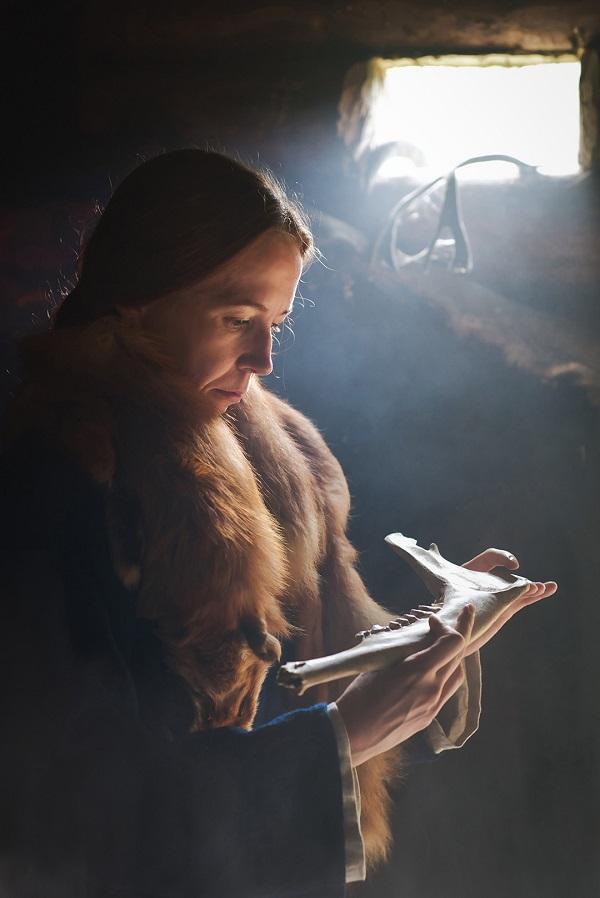 Ulla Moilasen teos Noiat noitui kyyt kiroili